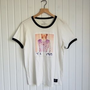 Taylor Swift 1989 World Tour Concert Tee Size XXL